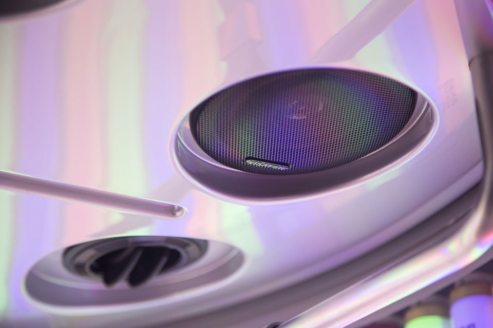 Dr. Muller Beauty Light Therapy speakers